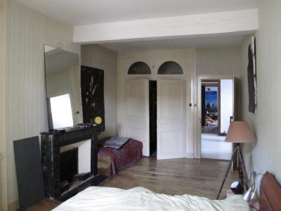 LONS LE SAUNIER (39, Jura), à vendre grande maison de caractère 186 m² avec 4 chambres., chambre 22 m²