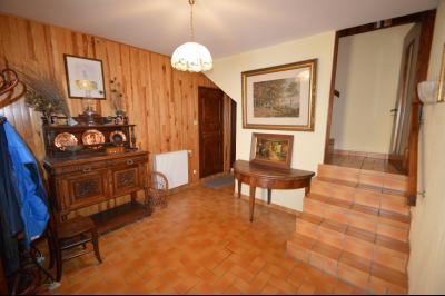 Thoiria, Proche Clairvaux les lacs, très agréable maison de village 3 chambres et 1700 m² terrain., entrée