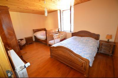 Thoiria, Proche Clairvaux les lacs, très agréable maison de village 3 chambres et 1700 m² terrain., chambre 16.5 m²