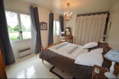 Proche Orgelet, Propriété de charme 200 m² habitables, 4 chambres et 3 salle de bain, sur 2765 m²., Chambre 16 m²
