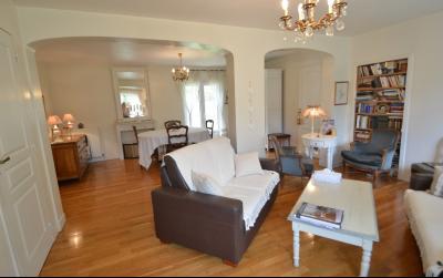 Proche Orgelet, Propriété de charme 200 m² habitables, 4 chambres et 3 salle de bain, sur 2765 m²., salon/séjour 36 m²
