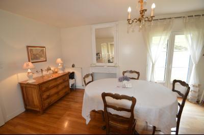 Proche Orgelet, Propriété de charme 200 m² habitables, 4 chambres et 3 salle de bain, sur 2765 m²., Séjour ouvrant sur la terrasse