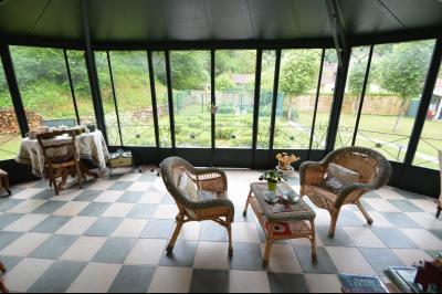 Proche Orgelet, Propriété de charme 200 m² habitables, 4 chambres et 3 salle de bain, sur 2765 m²., Véranda 20 m²