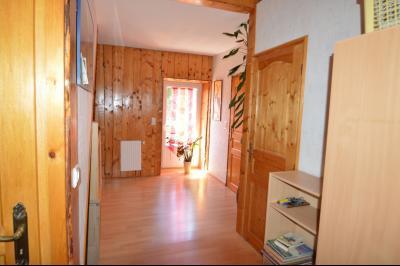 Proche Clairvaux les lacs, maison 85 m² en bon état avec 3 chambres et un garage/atelier., Vestibule étage