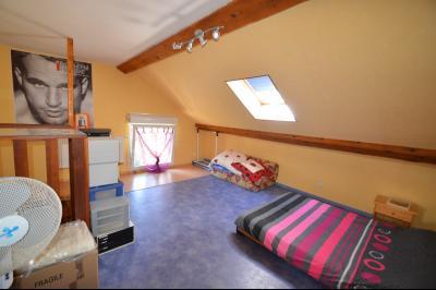 Proche Clairvaux les lacs, maison 85 m² en bon état avec 3 chambres et un garage/atelier., Chambre 14 m²