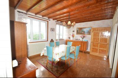 ETIVAL, entre Clairvaux les lacs et Haut Jura, maison actuellement 2 gîtes sur un ancien atelier., Séjour petit gîte