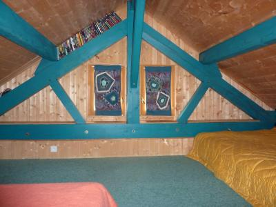 Jura, Région des lacs. Un beau Chalet 175 m², avec une superbe vue, un spa et chalet locatif 35 m²., chambre chalet locative