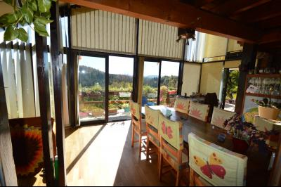 Jura, Région des lacs. Un beau Chalet 175 m², avec une superbe vue, un spa et chalet locatif 35 m²., Véranda 20 m² au sud