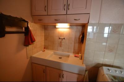 Clairvaux les lacs à 2 min, maison 102 m² habitables avec 3 chambres et terrain clos de 440 m²., Coin évier cuisine