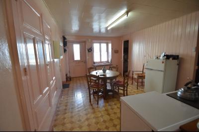 Clairvaux les lacs à 2 min, maison 102 m² habitables avec 3 chambres et terrain clos de 440 m²., Cuisine 20 m²