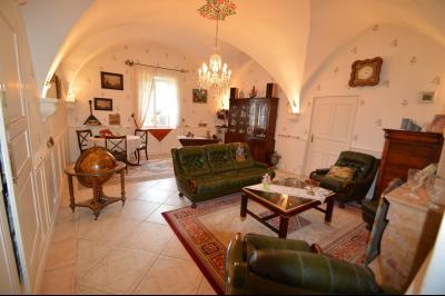 Clairvaux les lacs (Jura), à vendre Ferme ancienne 400 m² rénovée, très belles prestations., Salon 30 m² plafond voûté