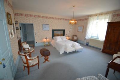 Clairvaux les lacs (Jura), à vendre Ferme ancienne 400 m² rénovée, très belles prestations., chambre 30 m² avec dressing 4 m²