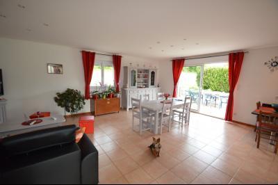 Clairvaux-les-lacs (39130), A vendre Maison contemporaine de plain pied située., Maison récente