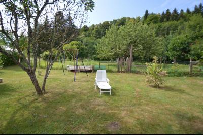 Proche de Clairvaux les lacs, Grand maison individuelle 4 chambres, avec beau terrain constructible., Très beau terrain constructible 1560 m²