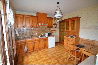 Clairvaux-les-Lacs, à vendre maison 120 m² habitables 3 chambres, dont 2 de plain pied., cuisine