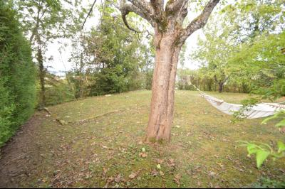 Clairvaux-les-Lacs, à vendre maison 120 m² habitables 3 chambres, dont 2 de plain pied., une partie du terrain sans vis à vis