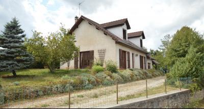 Clairvaux-les-Lacs, à vendre maison 120 m² habitables 3 chambres, dont 2 de plain pied., la maison