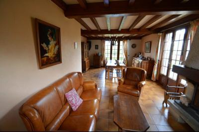 Clairvaux-les-Lacs, à vendre maison 120 m² habitables 3 chambres, dont 2 de plain pied., le salon