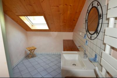 Jura, Proche Lac de Vouglans, à vendre Belle propriété rénovée 8 chambres sur 2,5 ha avec écuries., Salle d