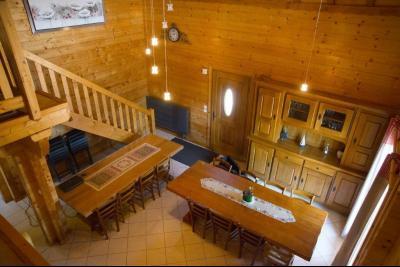 Clairvaux-les-Lacs (Jura) à vendre beaux chalets en madrier Gîtes (2 ogements indépendants)., vue de la mezzanine