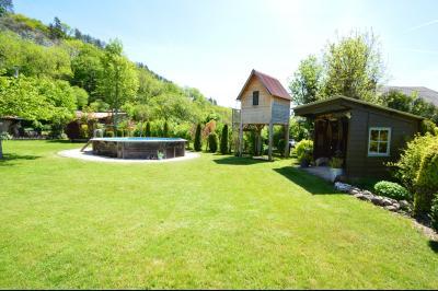 Clairvaux les lacs, ferme rénovée très chaleureuse avec un magnifique jardin, piscine, 4 chambres., Magnifue jardin