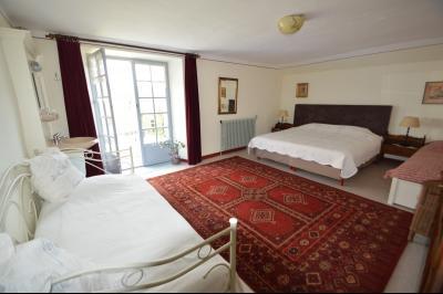 Clairvaux les lacs, ferme rénovée très chaleureuse avec un magnifique jardin, piscine, 4 chambres., chambre 24 m² + balcon