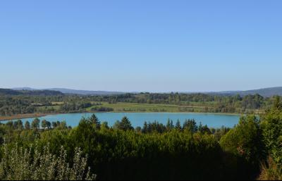 Clairvaux les lacs (JURA) vends Maison rénovée avec vue exceptionnelle sur lacs et relief jurassien., LA VUE !!