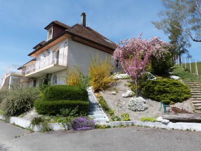 Clairvaux les lacs (JURA) vends Maison rénovée avec vue exceptionnelle sur lacs et relief jurassien., La maison