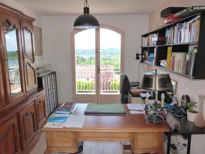 Clairvaux les lacs (JURA) vends Maison rénovée avec vue exceptionnelle sur lacs et relief jurassien., chambre ou bureau avec terrasse