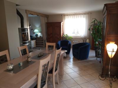 LONS-LE-SAUNIER (39 JURA), à vendre maison individuelle 136 m², piscine, four à pain, parc 5344 m², SALLE A MANGER