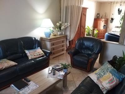 LONS-LE-SAUNIER (39 JURA), à vendre maison individuelle 136 m², piscine, four à pain, parc 5344 m², SEJOUR