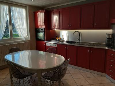 LONS-LE-SAUNIER (39 JURA), à vendre maison individuelle 136 m², piscine, four à pain, parc 5344 m², CUISINE EQUIPEE