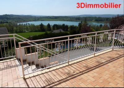 Clairvaux les lacs (39 JURA), à vendre maison rénovée 340 m², parc de 2700 m² avec vue sur le lac, Vue Lacs