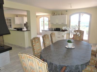 Clairvaux les lacs (39 JURA), à vendre maison rénovée 340 m², parc de 2700 m² avec vue sur le lac, Séjour