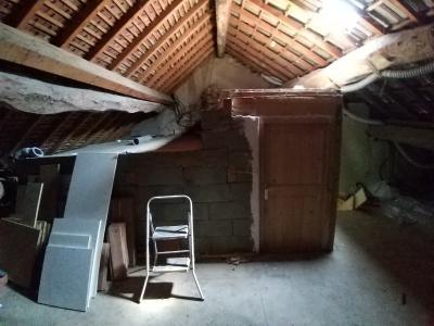 LONS-LE-SAUNIER Sud (39 JURA), à vendre maison de village de 160m², 7 pièces, avec 305m² de terrain., GRENIER