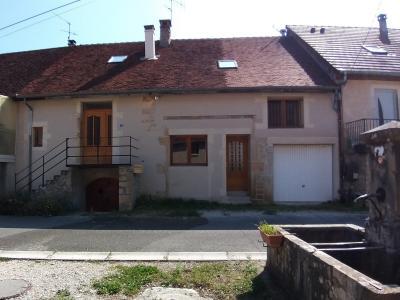 LONS-LE-SAUNIER Sud (39 JURA), à vendre maison de village de 160m², 7 pièces, avec 305m² de terrain., MAISON COTE RUE