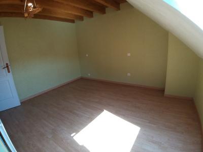 LONS-LE-SAUNIER Sud (39 JURA), à vendre maison de village de 160m², 7 pièces, avec 305m² de terrain., CHAMBRE 1