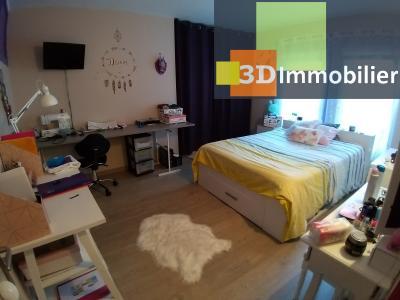 LONS-LE-SAUNIER (39 JURA) centre-ville, à vendre appartement duplex rénové 200 m², 4 chambres calme, CHMABRE 3