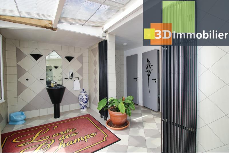 PIECE D'EAU AVEC 3 WC - 18 m²
