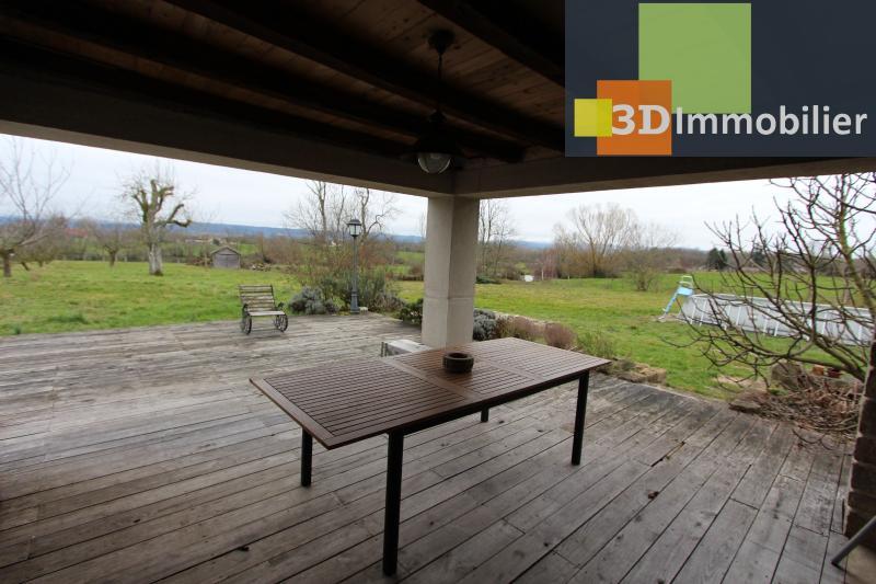 Lons-le-Saunier (Jura), à  vendre maison de caractère, 3 chambres sur terrain clos avec étang