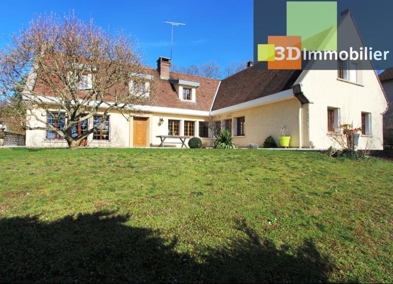 Lons-le-Saunier, à vendre grande maison de 7 chambres, 2 logements possibles, au calme.