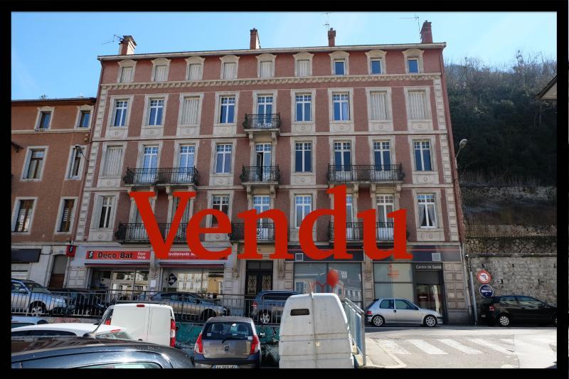 SAINT-CLAUDE (39 - JURA), VENDS IMMEUBLE DE RAPPORT - BON RENDEMENT, SPECIAL INVESTISSEURS