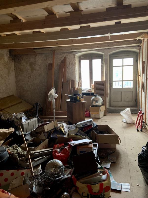BELLE PIECE A FINI D AMENAGER 28 m2
