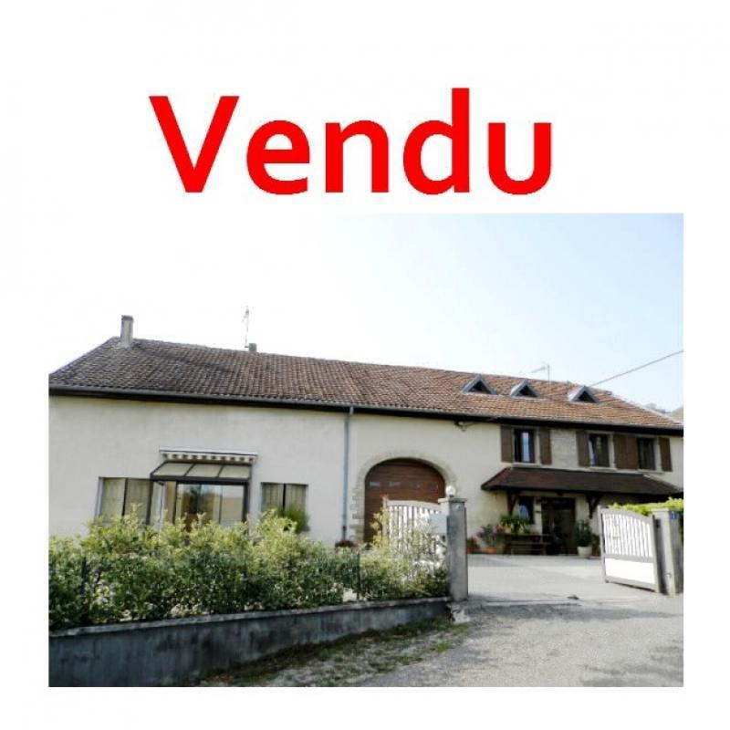 Vente proche POLIGNY (39800), maison familiale en pierre, 2 logements, terrain 1880 m²