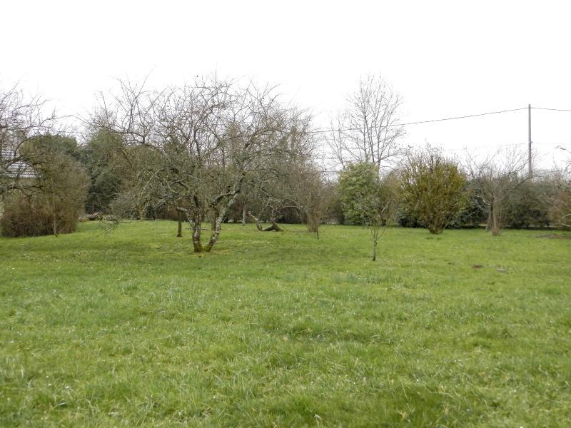 FRANGY EN BRESSE (71330), vends terrain constructible d'environ 1200 m�, secteur nature calme