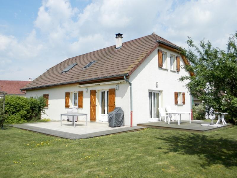 Vente secteur BLETTERANS (39), maison r�cente (2009) 130 m�, 4 chambres, terrain 1155 m�