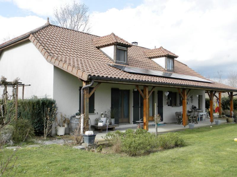 Vente proche LOUHANS (71), maison familiale (2001) de 150 m�, terrain 6054 m�