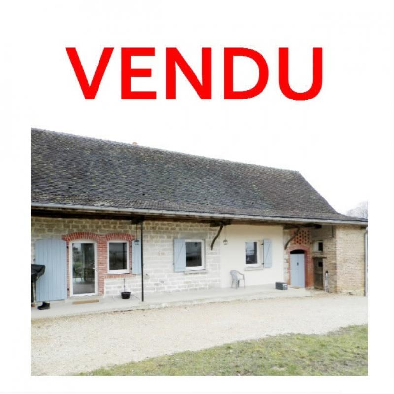 Proche LONS LE SAUNIER(39) et LOUHANS(71), à vendre maison rénovée plain-pied 100m², terrain 1038m².