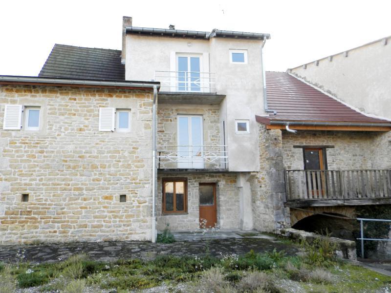 Vente SELLIERES (39), maison en pierre 134 m�, terrain environ 500 m�