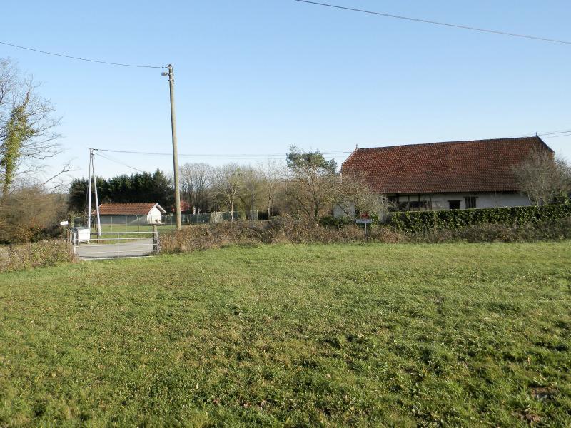 A vendre proche SAINT GERMAIN DU BOIS (71), terrain constructible 4510 m².